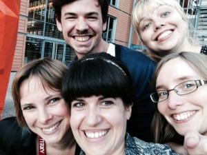 équipe réseaux sociaux au complet, photo non publiée